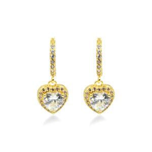 Κρεμαστά σκουλαρίκια σε χρυσό χρώμα με λευκά ζιργκόν